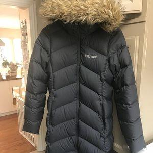 Women's Marmot down coat (coal)
